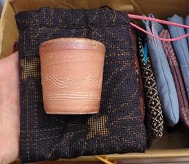 笠間焼と結城紬のコラボ