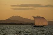 霞ヶ浦と帆引き船