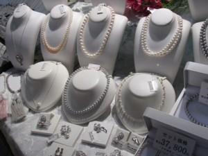 地元霞ヶ浦で養殖した淡水パールを使った真珠のネックレス