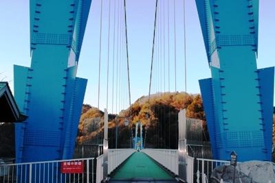 長さは本州一の歩行者専用の吊橋です