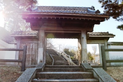 水戸藩江戸小石川邸正門右側の門「山上門」です