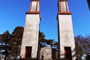 双頭の煙突が当時の技術の高さを物語っているようです。
