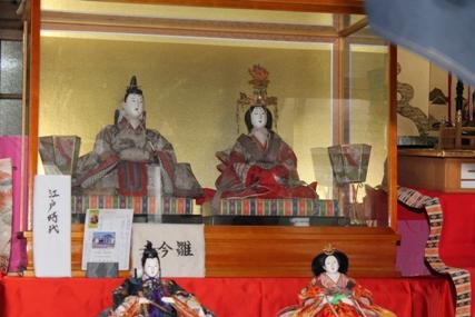 桜川市真壁高浜商店のひな人形も江戸時代に制作されました。